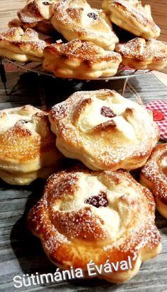 Túrós ravioli kalács, ez lett a legújabb kedvencünk! Hungarian Desserts, Ravioli, Cakes And More, Doughnut, French Toast, Food And Drink, Sweets, Bread, Cooking
