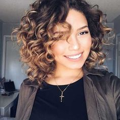 Curly Bob Haircut Curly Bob Cut Short Curly Bob Hairstyle Curly Bob Style Back View Curly Bob Hairstyle and Bangs Side Swept Style Thick Bob Haircut Curly, Haircuts For Curly Hair, Curly Hair Cuts, Short Hairstyles For Women, Short Hair Cuts, Curly Hair Styles, Hairstyles 2018, Midlength Curly Hair, Short Natural Curly Hairstyles