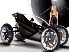 Le designer italien Simone Madella est un vrai passionné de moto et ne cesse de présenter des concepts originaux. Il a récemment dévoilé sa nouvelle création. Il s'agit d'un véhicule à mi-chemin entre une voiture et une moto. Son nom : Tandem.