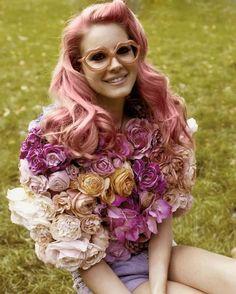 Lana Del Rey cotton candy pink hair