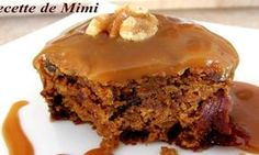 Pumpkin Cake with Cider Caramel Sauce No Cook Desserts, Easy Desserts, Delicious Desserts, Desserts Fruits, Yummy Food, Desert Recipes, Fall Recipes, Oreo Pudding Cookies, Confort Food