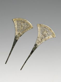 Chinese hairpins - circa 608-906 AD - Victoria & Albert Musem