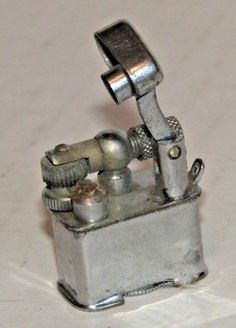 Working Vintage Mini Key Chain Lift Arm Lighter
