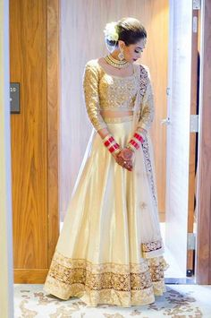 #Gorgeous Indian #Desi Bride, #Lehenga <3