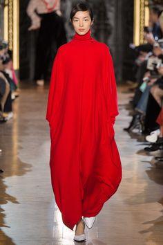 its a really stylish snuggie Stella McCartney Fall 2016 Ready-to-Wear Fashion Show