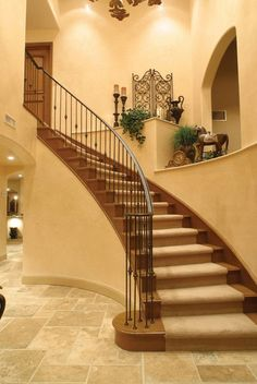 Modern Staircase Design Ideas - Stairways are so usual that you do not give them a reservation. Take a look at best 10 instances of modern staircase that are as magnificent as they are . Plant Ledge Decorating, Foyer Decorating, Tuscan Decorating, Decorating Ideas, Stairway Decorating, Style At Home, Style Toscan, Décor Niche, Niche Decor