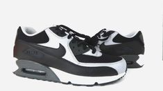 pretty nice d65d1 7e3d4 Nike Air Max 90 Essential Mens 537384-053 Black Wolf Grey Running Shoes  Size 13   eBay