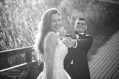 outdoor portaits, polish wedding, romantic portrait, wedding day, wedding photography, bride, summer wedding, posing ideas, bride portait, wedding photo ideas, portraiture, black and white, fun, groom