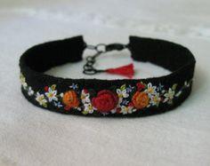 Bordado floral Pulseira de Punho, Arte Têxtil fibra manguito pulseira, pulseira ooak