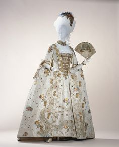 Robe à la Française    1760    The Kyoto Costume Institute - Is it crazy to want this for my next opportunity to attend a ball?