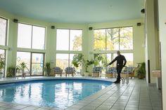 La piscine à l'Hôtel Trois Tilleuls Spa, Outdoor Decor, Home Decor, Finnish Sauna, Lime Trees, Cookout Restaurant, Terrace, Decoration Home, Room Decor