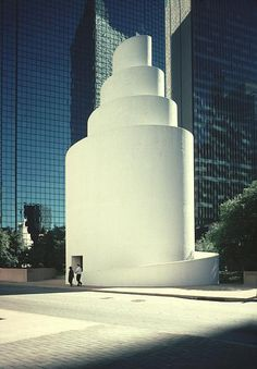 Thanksgiving Square Chapel, by Philip Johnson, 1976 - in Dallas, Texas, USA