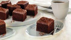 Enkel sjokoladekake. Supergod! Lagde glasur ved å piske sammen: 1dl kakao 2 dl melis og 3 dl kremfløte