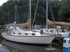 1978 Cape Dory Sloop  I would love to live on this.