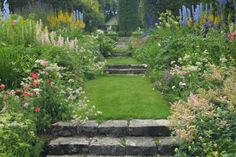 Les Quatre Vents - And finally, some flowers! | Fine Gardening