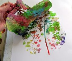 DIY Big Leaf Printing for You to Try - http://www.amazinginteriordesign.com/diy-big-leaf-printing-for-you-to-try/