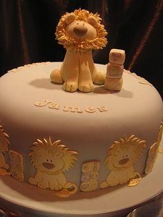 baby lion by kirstenjolanda, via Flickr Beautiful Cakes, Amazing Cakes, Lion Cakes, Novelty Cakes, Cute Cakes, Amazing Flowers, Cupcake Cakes, Cake Decorating, Wedding Cakes