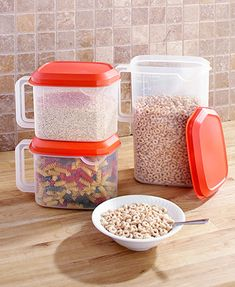 Keep food fresh with this Set of 3 Dry Food Containers. You get 2 small containers and one large container. Each clear container comes with a lid and has a hand