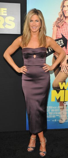 Jennifer Aniston wearing Burberry to the premiere of 'We're the Millers' in New York
