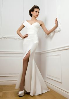 Bridal Beauty: Most Beautiful Wedding Dresses of the Week - You're going to fall head over heels in love with these fabulous wedding dresses. Lazaro Wedding Dress, Luxury Wedding Dress, Elegant Wedding Dress, Designer Wedding Dresses, Wedding Attire, Luxury Dress, Wedding Gowns, Informal Wedding Dresses, Wedding Dresses Plus Size