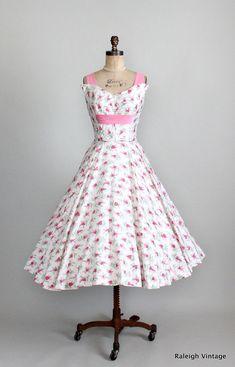 Vintage 1950s Floral Full Skirt Sundress.