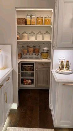 Small Kitchen Pantry, Pantry Room, Kitchen Pantry Design, Kitchen Organization Pantry, Modern Kitchen Design, Home Decor Kitchen, Kitchen Interior, Home Interior Design, Home Kitchens