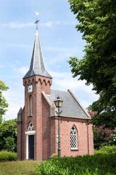 Kerkje De Rietstap, kleinste kerk in Nederland te Dinxperlo