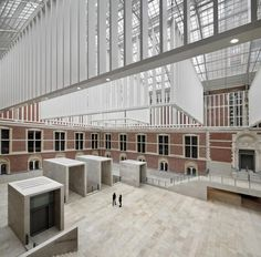 Courtyard. New Rijksmuseum by Cruz y Ortiz architects. Photography courtesy of Abe Bonnema Prijs. Photography © Pedro Pegenaute.