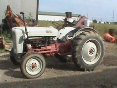 I learned to drive a tractor on one like this. 8n Ford Tractor, Ford Trucks, Antique Tractors, Vintage Tractors, Agriculture, Farming, Mario Silva, Old Fords, Small Engine