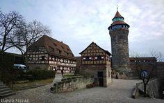 Die Nürnberger Burg.  Ich habe ja schon einige Burgen hier im Blog da darf die aus meiner Geburtststadt nicht fehlen die Nürnberger Burg bestehend aus der Kaiserburg und der Burggrafenburg.