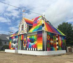 Forth Smith, Arkansas, USA: nuova opera dello street artist spagnolo Okuda San Miguel aka Okudart.