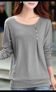 Round Neck Grey Long Sleeve T Shirt with buttons placed more over to her left side. The balance has shifted in the shirt Trend Fashion, Look Fashion, Autumn Fashion, Fashion Outfits, Pretty Outfits, Cool Outfits, Mode Hijab, Look Chic, Sewing Clothes