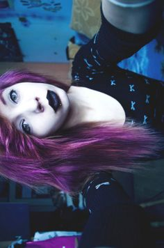 Purple and black lips Purple Black Hair, Black Lips, Purple Love, Scene Hairstyles, Cool Hairstyles, Cute Scene Hair, Alternative Hair, Emo Hair, Dye My Hair