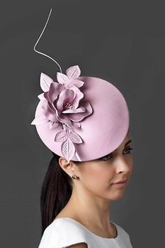 DIY Handmade Purse and Wallet Ideas & Sew Recommendations Accessories Ideas 2019 Fancy Hats, Cool Hats, Millinery Hats, Cocktail Hat, Kentucky Derby Hats, Pink Hat, Ascot, Wedding Hats, Love Hat