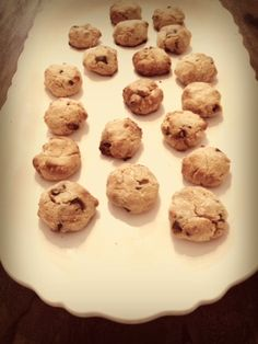 Gluten free, dairy free, no refined sugar paleo friendly chocolate chip cookies