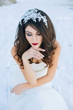 Winter wedding inspiration Hair & Makeup by: Cierra Shae — BRIDAL HAIR & MAKEUP ARTISTRY http://cierrashae.com/ Photography: Anna Perevertaylo Photography #bridalhair #bridalmakeup #tahoeweddings #makeupartist #inspiration