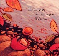 Shi-shi-etko by Nicola I. Campbell is about a young girl named Shi-shi-etko who spends her last few days before leaving for a residential school getting valuable life lessons from her family. Aboriginal Children, Aboriginal Education, Indigenous Education, Indigenous Art, Aboriginal Art, Native American Children, American Indians, Residential Schools, Album Jeunesse