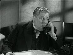 som Bogholder Blom, i Frøken Kirkemus fra 1941.