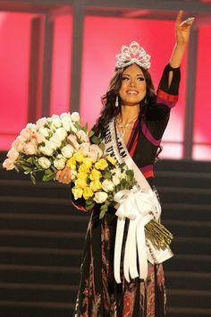 Miss Universo 2007. Riyo Mori, Miss Japón. LUIS ACOSTA/AFP/Getty Images)