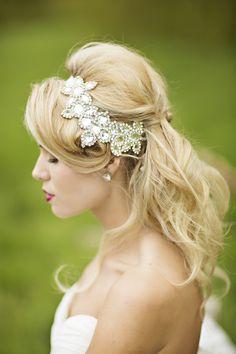 jeweled bridal hair piece | Courtney Bowlden Photography | Glamour & Grace