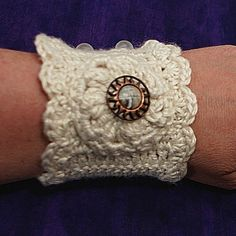 Cuff bracelet Beautiful Inspiración. ❥Teresa Restegui http://www.pinterest.com/teretegui/❥