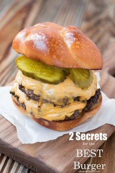 We've discovered 2 secrets to building the best hamburger! Seriously so juicy and flavorful we didn't even use condiments or toppings!