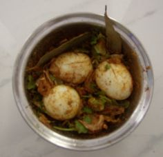 EGG BIRIYANI IN HYDERABAD STYLE - Sun Samayal Chicken Eggs, Butter Chicken, Soya Chunks Recipe, Types Of Eggs, Essential Fatty Acids, Biryani, Rice Recipes, Potato Salad, Cooking