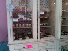 vintage display for bakery. LOVE THIS IDEA!!