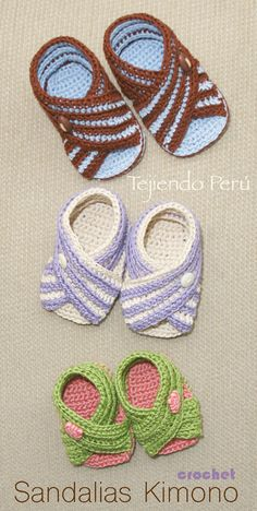 #Crochet paso a paso: sandalias #Kimono (unisex en 3 tallas) Video tutorial :) Crochet Baby Sandals, Crochet Baby Shoes, Crochet Baby Booties, Crochet Slippers, Crochet Clothes, Crochet Motif, Knit Crochet, Crochet Patterns, Crochet Crafts