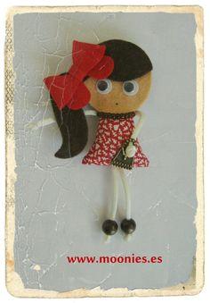 broche de fieltro complementos y tocados muñeca