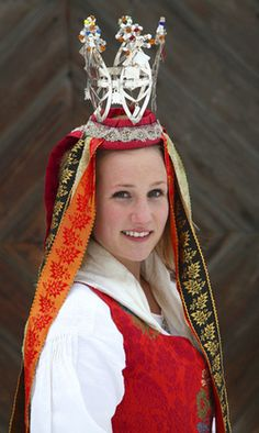 Europe | Portrait of a Norwegian bride wearing a traditional weddingdress and a bridal crown from South Eastern Valleys Norway #wedding