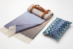 Italian fashion house Missoni has teamed up with Seaside Luxe to create the ultimate travel luxury set which includes ablanket and pillow combination that you can easily carry with you the next ti…