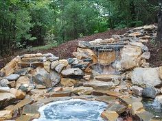 Cool Hot tub! looks SOOOO relaxing!
