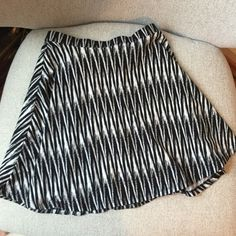 FLASH SALE-Flirty patterned skirt Charlotte Russe stretchy patterned skirt. Mini length. A-line cut Charlotte Russe Skirts Mini